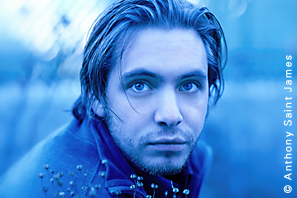 Aaron Stanford photo